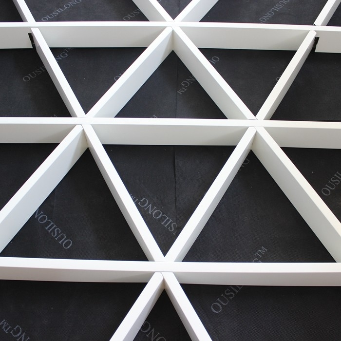 Roller Coating Indoor Aluminum Triangle Grid Metal Ceiling Panel For Shopping Hall